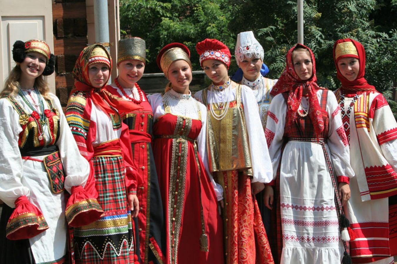 36c9bf941a2b Русский костюм: как сложился русский народный костюм, картины ...