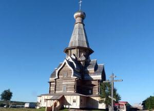 Храм Успения Пресвятой Богородицы в Варзуге Мурманской области
