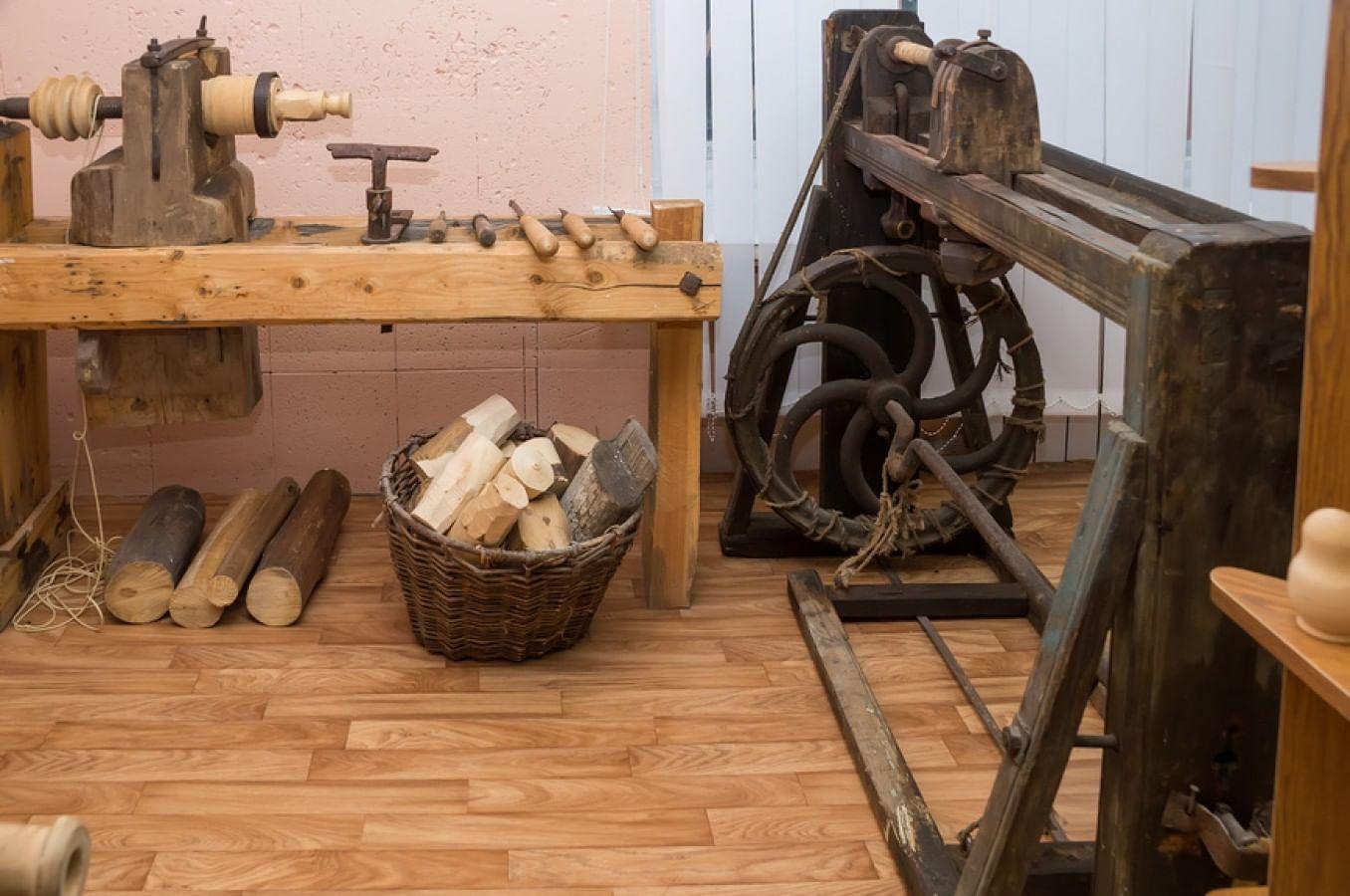 Старинные игрушки из дерева 17 фотография