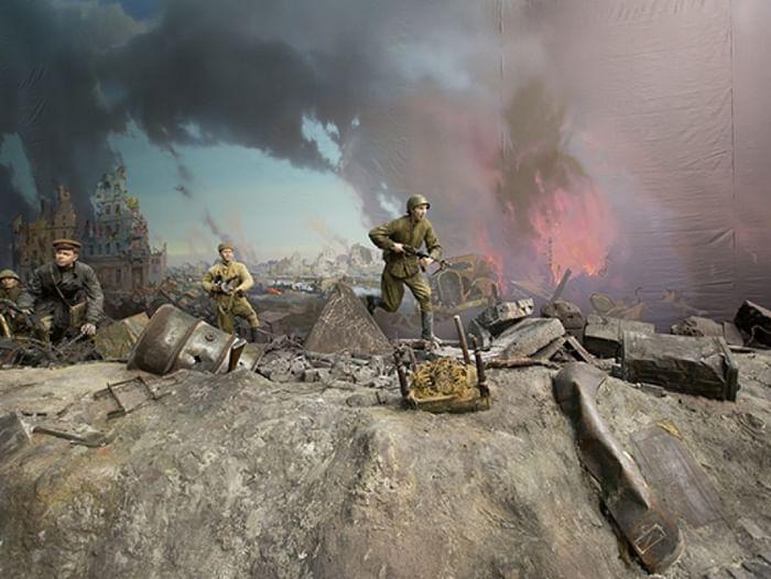 Выставка «Битва за Берлин. Подвиг знаменосцев»