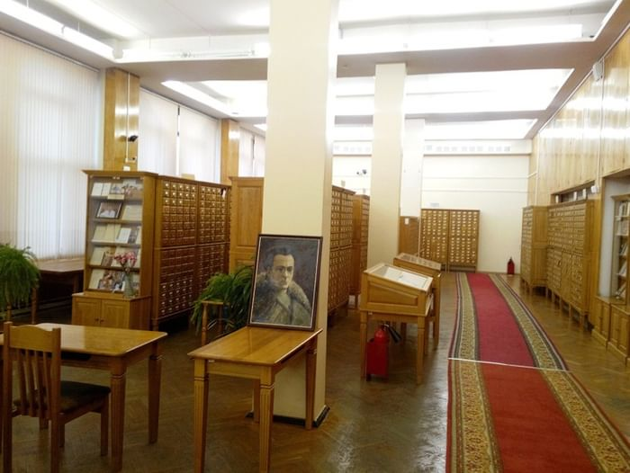 Выставка «Из библиотеки имени Виктора Сержа»