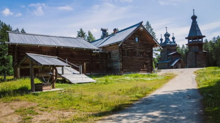 Архитектурно-ландшафтная экспозиция в деревне Малые Корелы