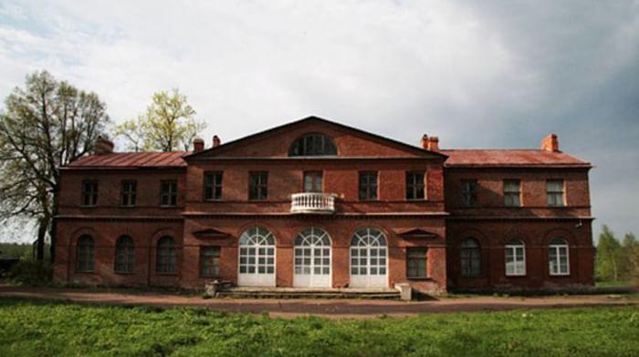 Литературно-художественный музей-усадьба «Приютино»