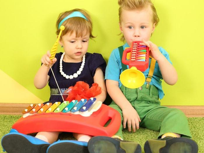 Музыкально-развивающие занятия «Музыка с мамой»