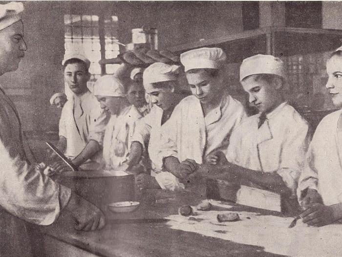 Выставка «История вкусной и здоровой пищи в СССР»