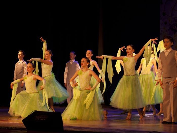 Фестиваль коллективов бального танца «Весенний вальс»