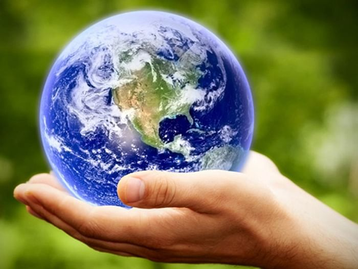 Книжная выставка «Экология: тревоги и надежды»