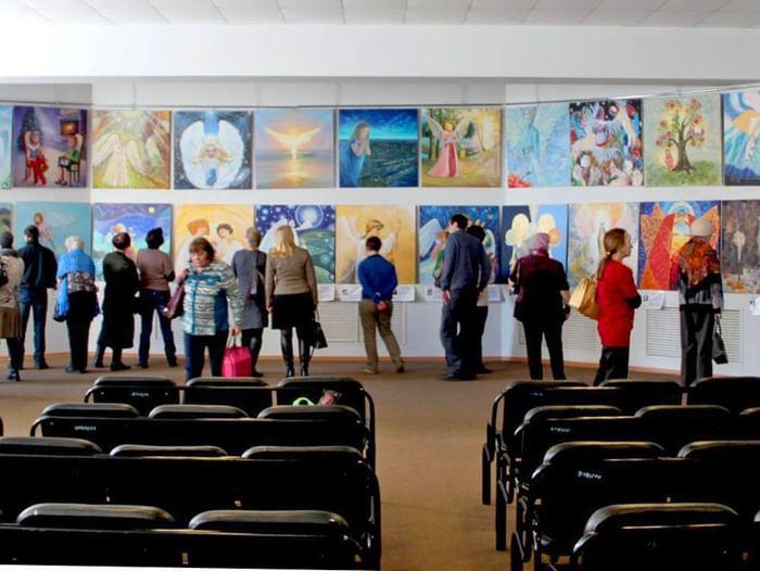 Выставка картин международного арт-проекта «Ангелы мира»