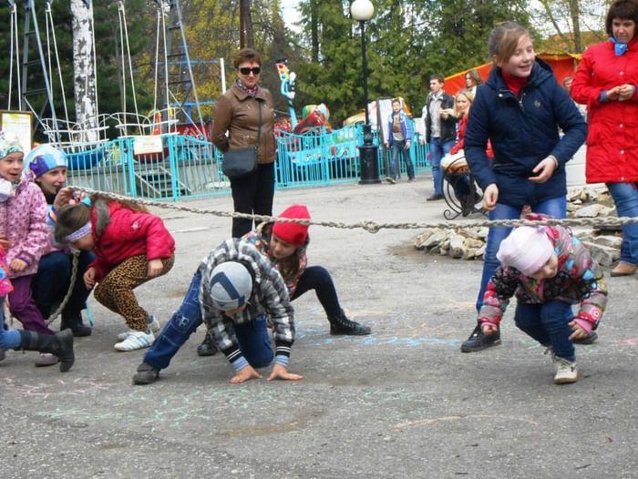 Встреча «В детском парке весна! Каникулы! Ура! Ура!»