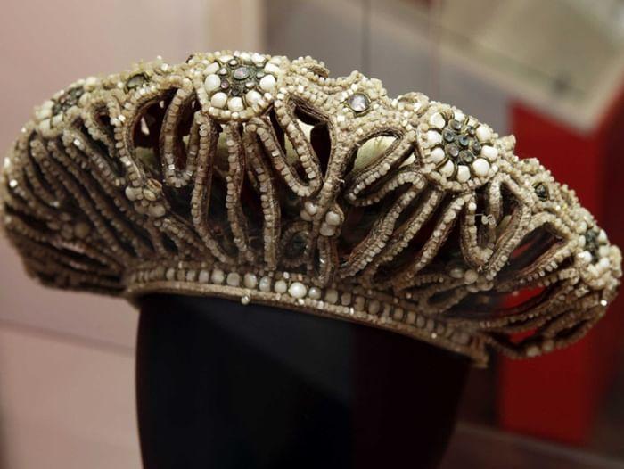 Выставка «Нарядная жизнь. Традиционные женские головные уборы»