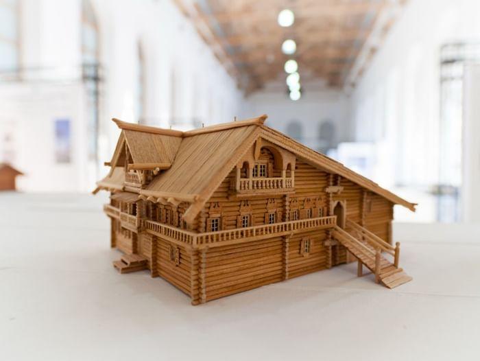 Выставка «Русское деревянное зодчество в миниатюре»