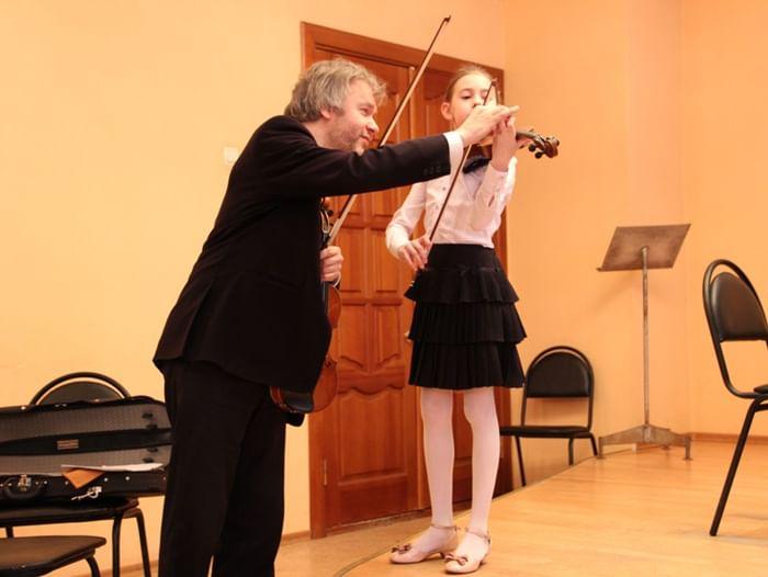 III Открытый областной конкурс исполнителей на струнно-смычковых инструментах