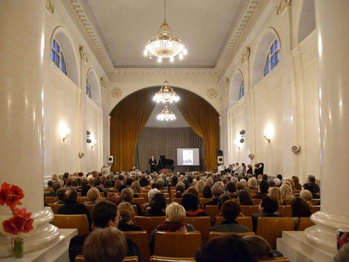 Концерт «Любимые песни и арии для сопрано»