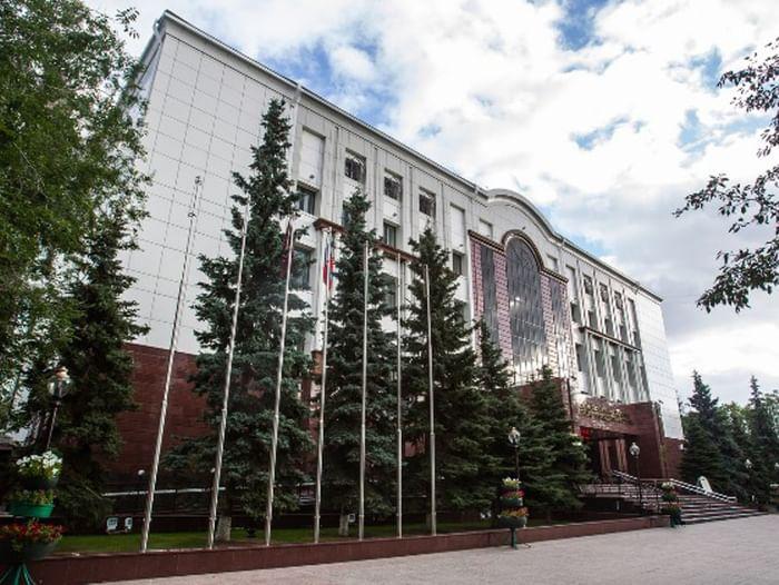 Экскурсия по Тюменской областной библиотеке им. Д. И. Менделеева