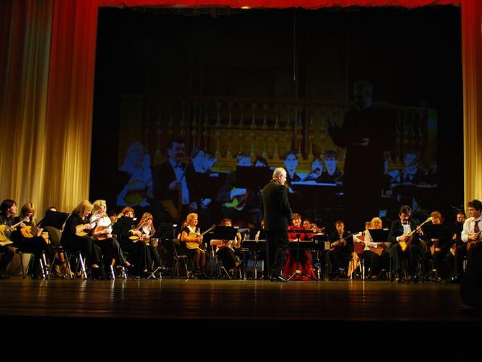 Концерт «Вернулись вновь и солнце, и весна»
