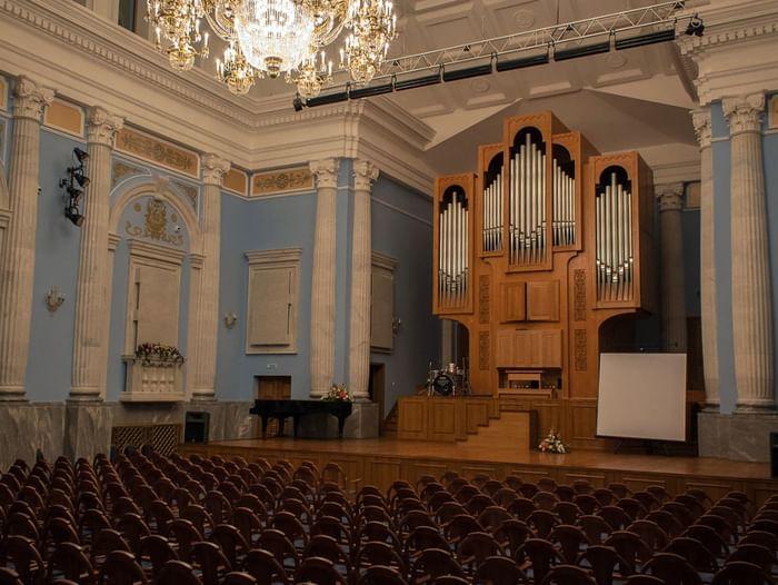 Вечерняя экскурсия по челябинскому органному залу