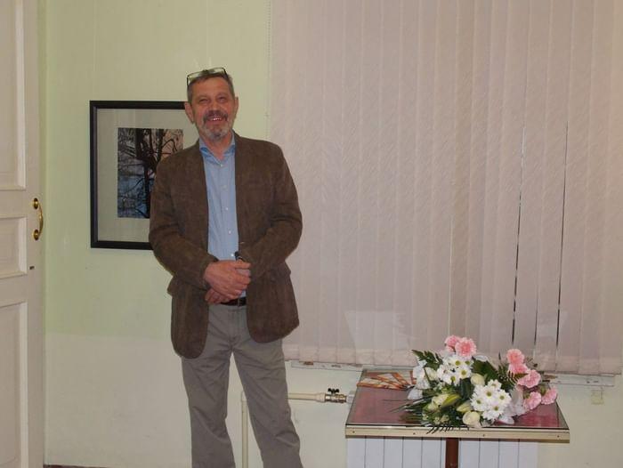 Выставка Николая Крупнова «Окна дома моего»