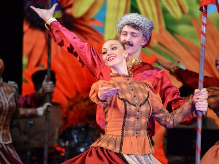 Концерт театра танца «Казаки России» на фестивале имени А. П. Мистюкова