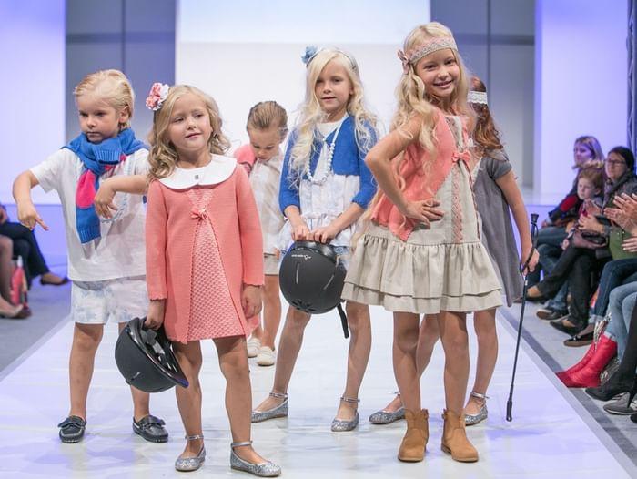 Детский конкурс нарядов и костюмов «Модная волна»