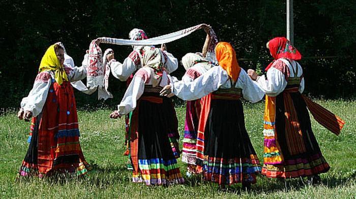 Вождение «ширинок» в селах Вышние и Нижние Пены Ракитянского района Белгородской области
